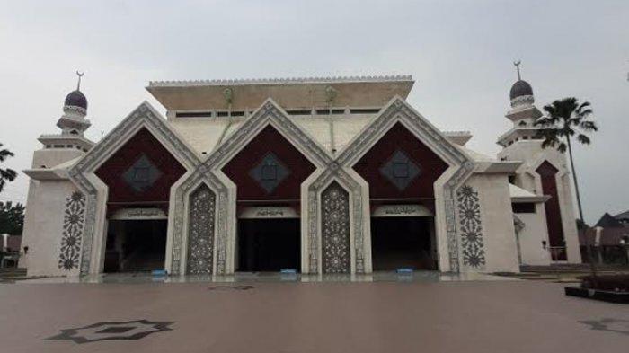 Masjid Agung At-Tin Masih Lakukan Kordinasi Perihal Pembungkus Daging Kurban