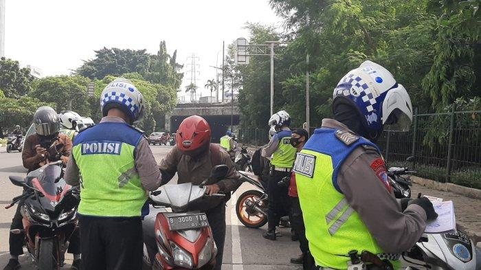 Hari Pertama Operasi Zebra 2020, Puluhan Pelanggar Terjaring di Jalan DI Pandjaitan Jakarta Timur