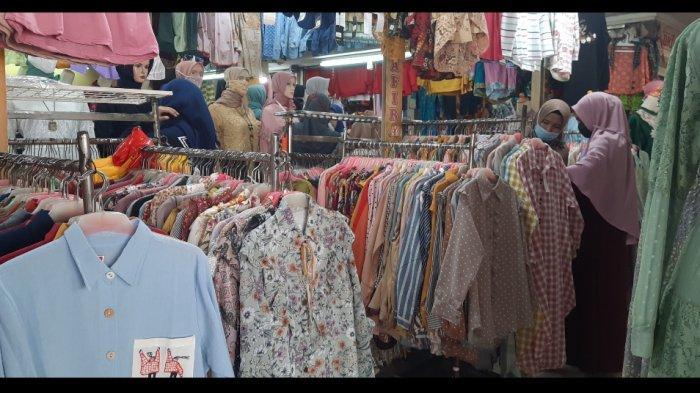 2 Minggu Jelang Idul Fitri, Warga Mulai Berburu Baju Lebaran di Pasar Anyar Bogor - suasana-pasar-anyar-bogor-1.jpg