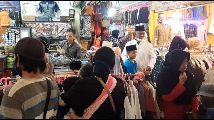 2 Minggu Jelang Idul Fitri, Warga Mulai Berburu Baju Lebaran di Pasar Anyar Bogor - suasana-pasar-anyar-bogor.jpg
