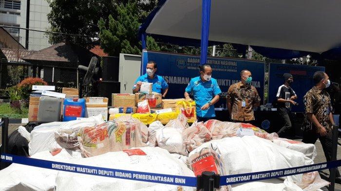 BNN Musnahkan 1,5 Ton Narkoba, Tersangka Simpan Narkotika di Dekat Kandang Ayam Hingga Sepatu