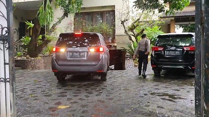 Penyidik KPK Geledah Rumah di Cipayung Terkait Kasus Dugaan Korupsi Bansos Covid-19