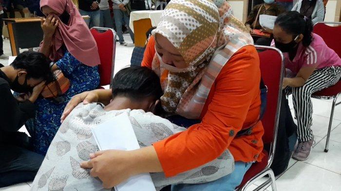Anaknya Ikut Demo Tolak Omnibus Law, Ditelpon Berkali-kali Dikira Jadi Korban Kericuhan Jakarta
