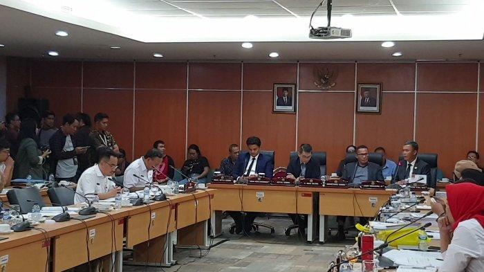 Usai Dicecar Ketua DPRD DKI Soal Rekomendasi Formula E, Anak Buah Anies Langsung Kabur