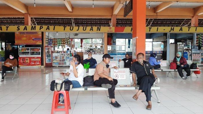Menhub Ingatkan Penumpang Terminal Kampung Rambutan Tak Pakai Masker Scuba