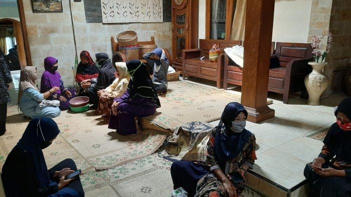 Didi Kempot Akan Dimakamkan di Ngawi: Ini Foto-foto Rumah Duka