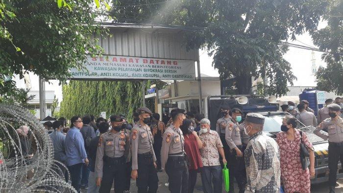 Hakim Tolak Eksepsi Rizieq Shihab dalam Kasus Kerumunan Warga di Petamburan
