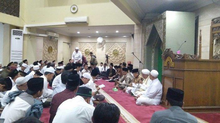 PBNU Gelar Doa Bersama untuk KH Maimoen Zubair