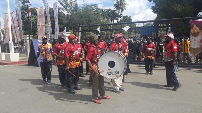 Jelang Pembukaan PON Papua diStadion Lukas Enembe: Penonton Mulai Antre Masuk, Kirab Api Sudah Tiba