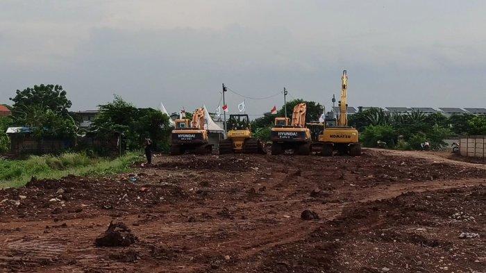 Suasana di lahan pembangunan TPU khusus Covid-19 di Jalan Rorotan IX, RT 03 RW 09 Kelurahan Rorotan, Kecamatan Cilincing, Jakarta Utara, Rabu (6/1/2021).