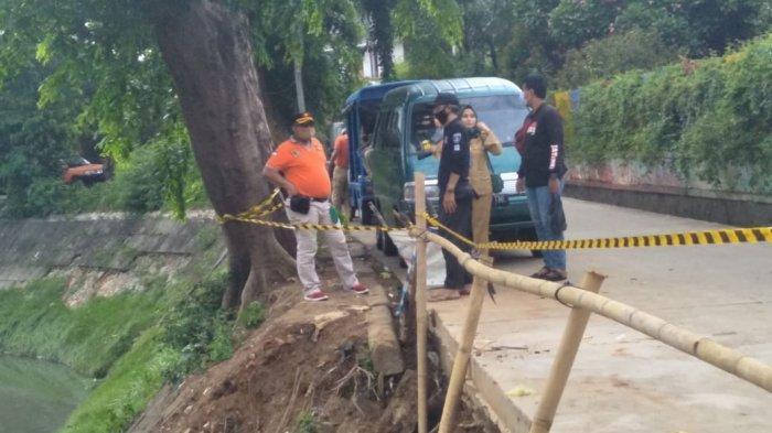 Diguyur Hujan, Turap Kali Jati Jakarta Timur Kembali Longsor