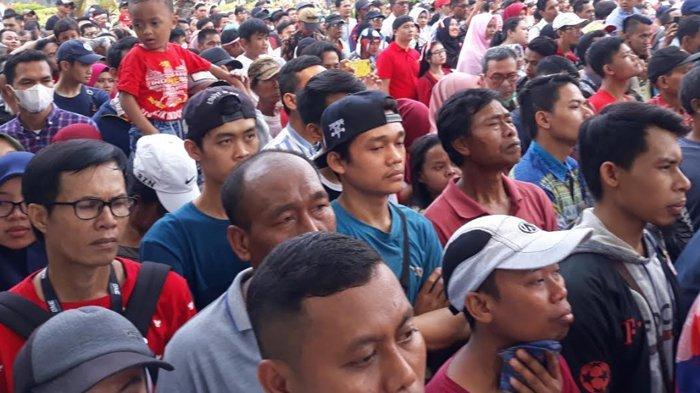 Upacara HUT ke-74 RI di Istana Negara, Warga Padati Jalan Medan Merdeka