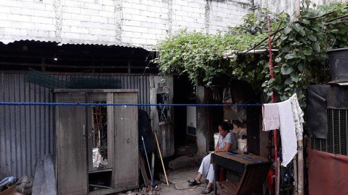 Menengok Deretan Warung Bolong di Kemang: Berkah Bangun Usaha di Samping Gemerlap Mal - suasana-warung-bolong.jpg