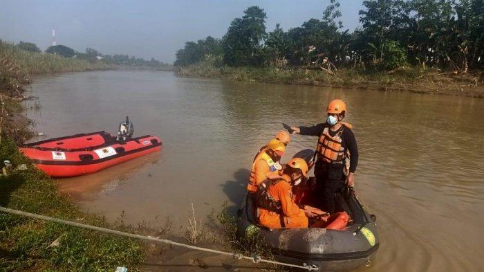 Cari Udang di Bantaran Sungai Citarum, Tim SAR Terjun Cari Warga Bekasi Tenggelam
