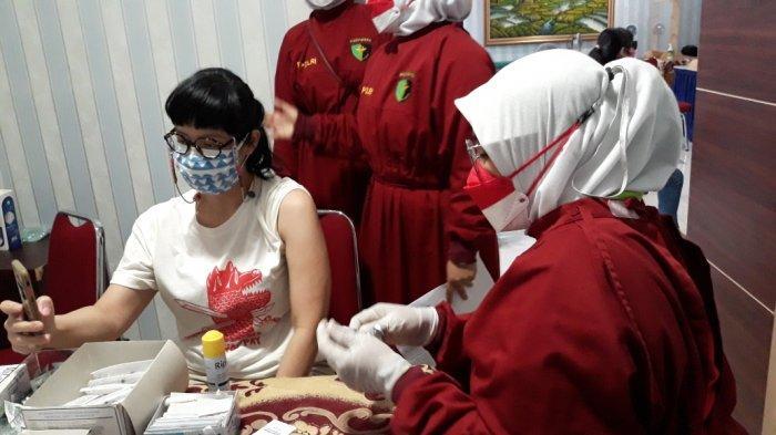 Sedikit yang Pilih AstraZeneca, Mayoritas Nakes Indonesia Pilih Divaksin Booster Moderna