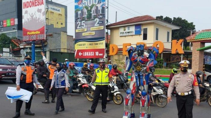 Cara Unik Polisi Depok Hadirkan Optimus Prime Hingga Spiderman Saat Operasi Zebra 2020