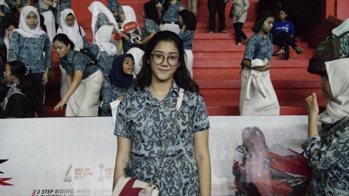 Suporter SMAN 61 Jakarta Ini Senang Tim Basket Sekolahnya Lolos ke Final Honda DBL DKI Jakarta