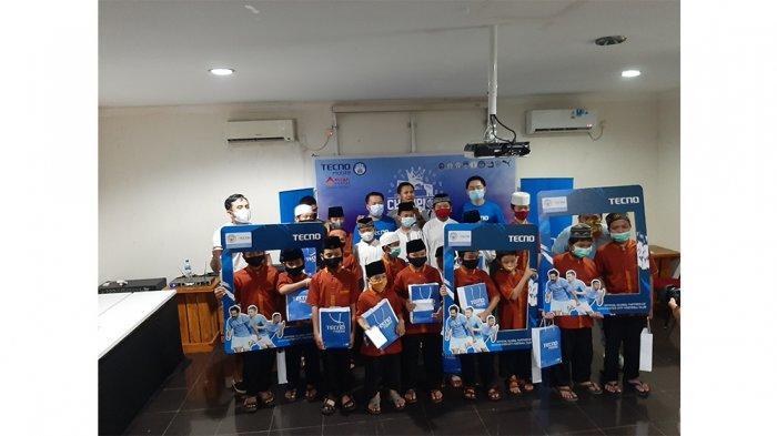 Rayakan Gelar Juara Inggris, Manchester City Suporter Club Indonesia Santuni Anak Yatim
