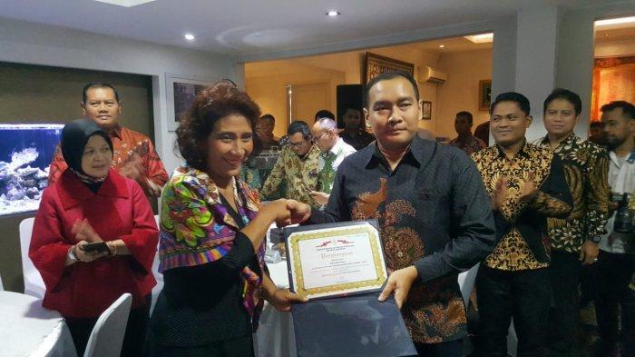 Cegah Penyelundupan Benih Lobster, Avsec Bandara Soekarno-Hatta Dapat Penghargaan dari Menteri Susi