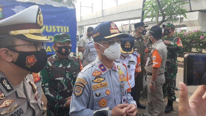 Sepekan PPKM di Jakarta: Volume Lalu Lintas Turun 4,3 Persen dan Penumpang Angkutan Umum Anjlok
