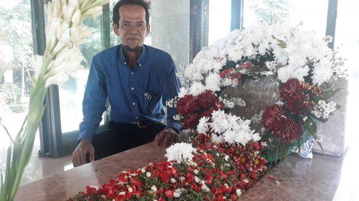 Kisah Syahrul, 32 Tahun Jadi Penjaga Makam Bung Hatta, Pensiunan PNS & Pernah 'Ngeteh' Bareng Jokowi
