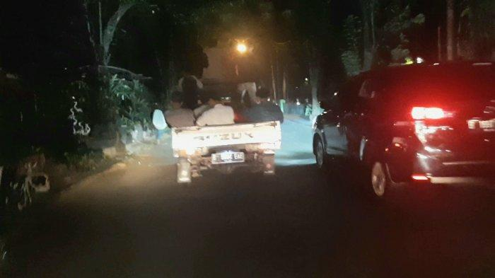 Sejumlah Remaja Takbir Keliling di Jakarta Pusat, Bawa Beduk Kecil di Mobil Bak Terbuka