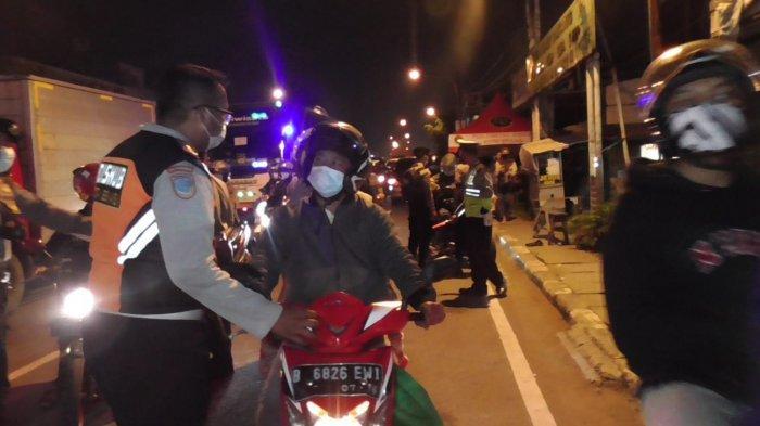 Pemudik Nekat Jebol Penjagaan di Perbatasan Bekasi-Karawang, Polisi Tambah Pos Penyekatan