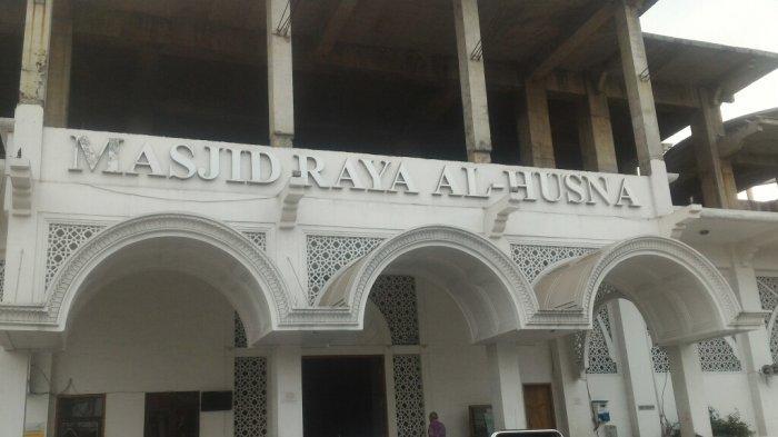 Masjid Raya Al-Husna di Tanjung Priok AkuiMasih Gunakan PlastikJadi Wadah Daging Kurban