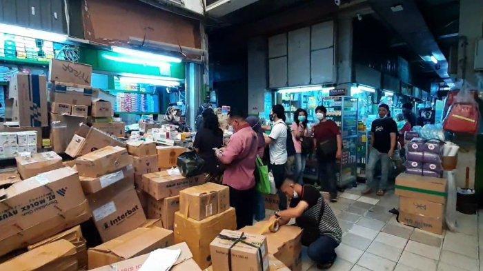 Stok Tabung Oksigen di Pasar Pramuka Kosong