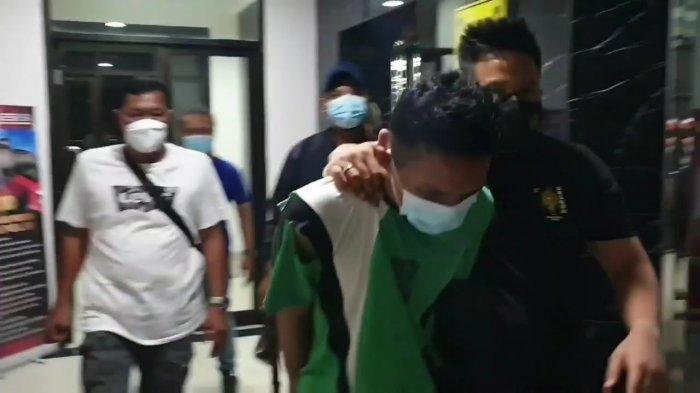 Satreskrim Polres Metro Jakarta Pusat telah mengamankan pelaku AA pembunuh Ida Wasila Anata, di kediamannya, kawasan Jakarta Timur, pada Sabtu (29/5/2021) dini hari.