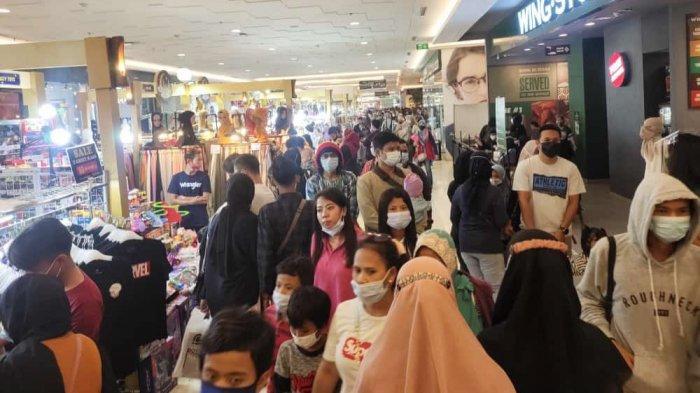 Penampakan Pengunjung Tangcity Mall Membludak Saat Akhir Pekan, Penuh Sesak Tidak Ada Ruang Gerak