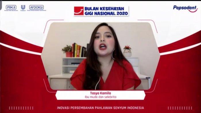 Tangkapan layar Tasya Kamila dalam konferensi pers Peringatan Bulan Kesehatan Gigi Nasional bersama Pepsodent, Kamis (12/11/20202). Tasya lebih memilih layanan kesehatan secara online saat pandemi Covid-19.