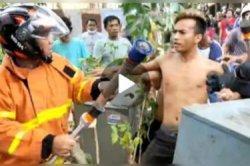Video Warga dan Petugas Damkar Nyaris Baku Hantam saat Padamkan Kebakaran, Polisi: Rebutan Slang Air