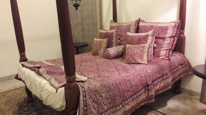 Lihat Yuk Tempat Tidur Bernuansa Batik di Museum Tekstil