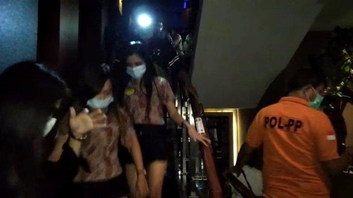 28 Pria Berendam Kolam Air Hangat Spa di Serpong Digelandang Satpol PP, Puluhan Terapis Juga Dibawa