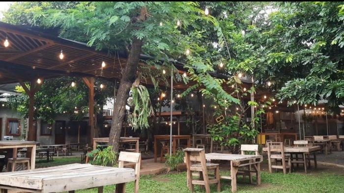 Teras Rumah Nenek, Kafe Outdoor dengan Suasana Pekarangan yang Instagramable di Jakarta