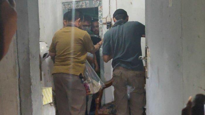 Terduga Teroris Ditangkap di Cirebon, Petugas Langsung Langsung Geledah Rumahnya
