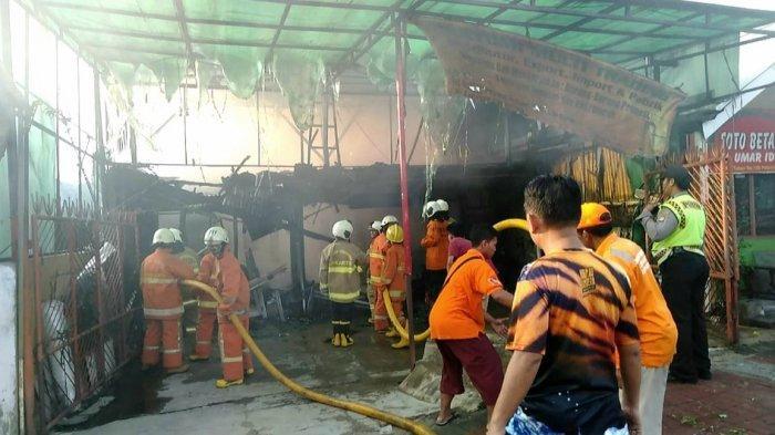 Warung Makan dan Toko Konveksi Terbakar di Kawasan Tanah Abang