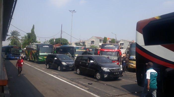 Antisipasi Kemacetan di Dalam Terminal Kalideres, Pengelola Lakukan Buka Tutup