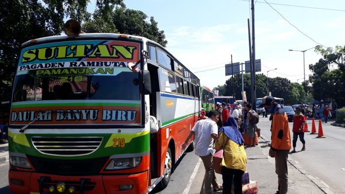 Pemudik yang Tiba di Kampung Rambutan Didominasi Berasal dari Jawa Tengah