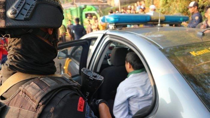 Menuju Lokasi Aksi 22 Mei, Ini Detik-detik Penangkapan Terduga Teroris di Garut