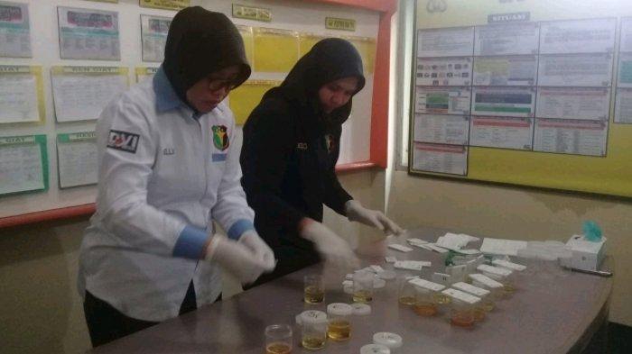 46 Personel Polsek Pasar Minggu Jalani Tes Urine