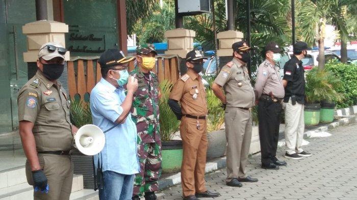 Kawal PSBB Hari Perdana, Tiga Pilar Kebayoran Lama Gelar Patroli Bersama