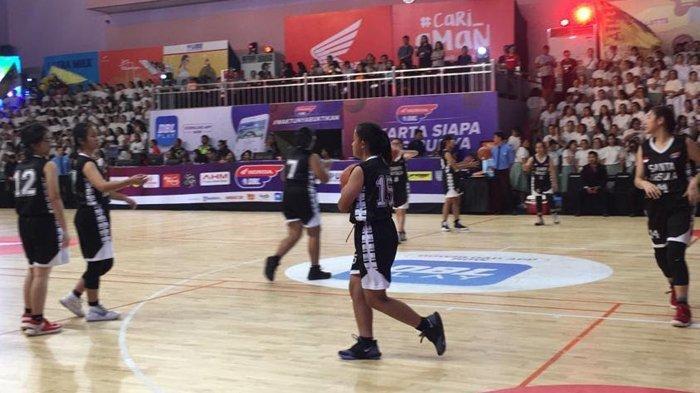 Final Honda DBL DKI Jakarta Series Dibuka Pertandingan Tim Basket Putri Boedoet VS Santa Ursula
