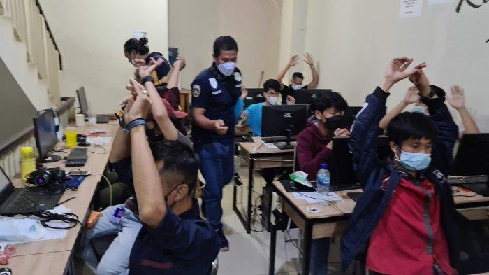 Kantor Pinjol Ilegal Digerebek Polisi di Jakarta Pusat, Semua Karyawan Angkat Tangan