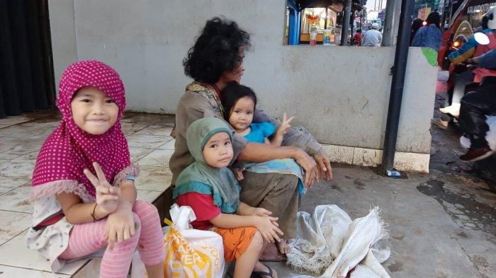 Kehidupan Tio Berubah Setelah Musibah Kecelakaan, Kini Nafkahi Keluarga dari Mencari Botol Bekas