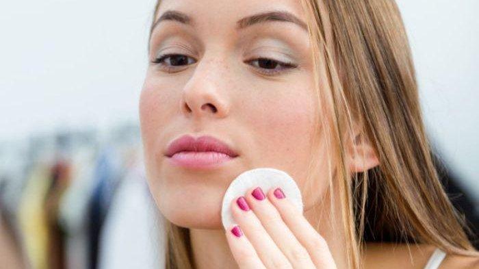 Hindari 5 Kandungan Skincare Ini Agar Tak Memperparah Kulit Berminyak