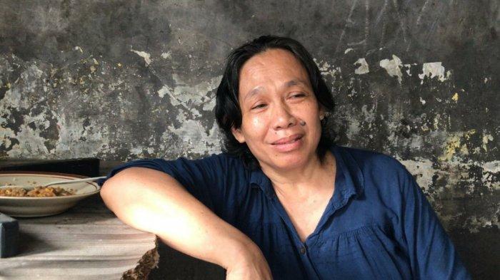Lapak Jualan Hancur Kepala Benjol Ketiban Bambu, Titin Syok Tertimpa Potongan Kaki Manusia