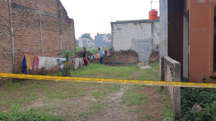 TKP rumah yang disusupi perampok di RT 03 RW 06, Kelurahan Padurenan, Kecamatan Mustikajaya, Kota Bekasi.