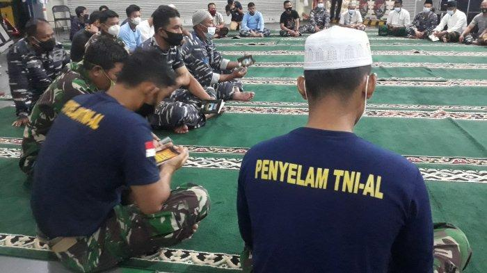 Gelar Yasinan di KRI Semarang, Anggota TNI AL Harap Black Box Sriwijaya Segera Ditemukan
